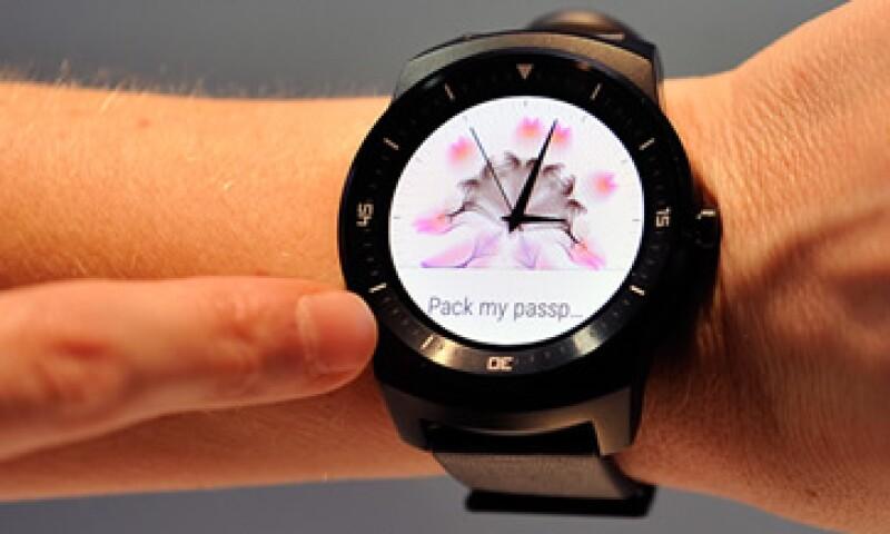 Algunos de los relojes inteligentes compatibles con Android son LG y Motorola. (Foto: Getty Images)