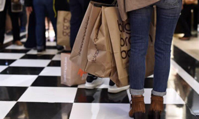 los compradores están dispuestos para gastar un 25% más este año que el año pasado, de acuerdo con un estudio de Deloitte. (Foto: AFP )