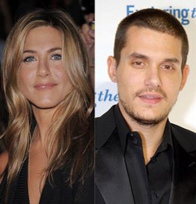 Luego de haber terminado su relación el mes pasado, dicen que la actriz y el cantante han reanudado su romance.