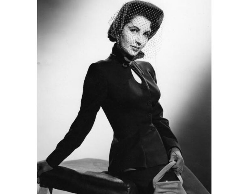 """El libro """"Elizabeth Taylor: There is nothing like a Dame"""" fue escrito por el ex periodista del """"New York Times"""", Danforth Prince, y el biógrafo de celebridades Darwin Potter."""