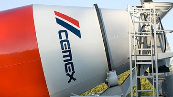 Analistas opinan que el recorte en gastos que ha implementado la empresa se reflejará en sus márgenes de ganancia hasta 2012. (Foto: Cortesía Cemex)