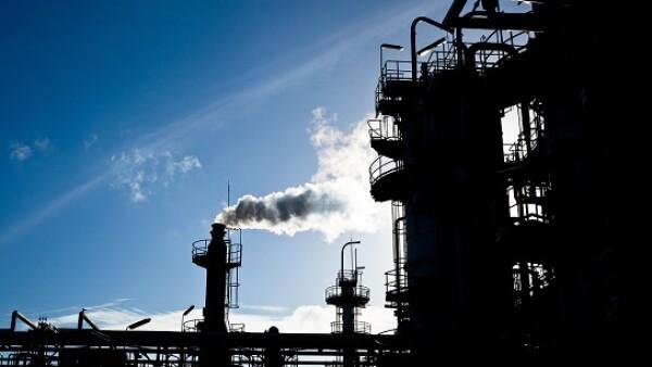 petrolera contaminante
