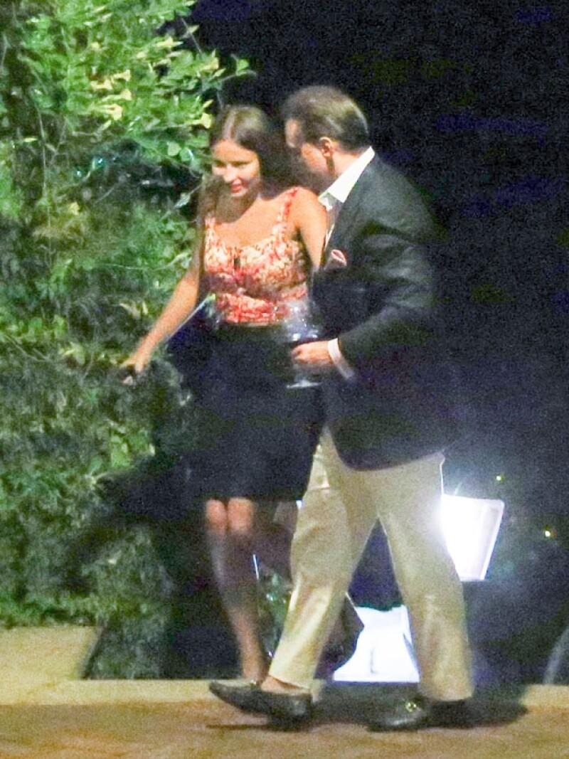 La pareja ha sido captada en varias ocasiones, se habla de la relación más estable del intérprete desde su separación de Aracely Arámbula.