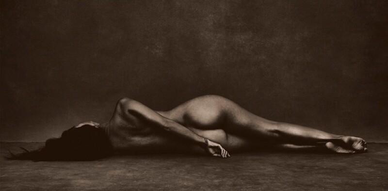 Tras su separación de Scott Disick, este 2015 Kourtney Kardashian posó desnuda para el artista Brian Bowen Smith.