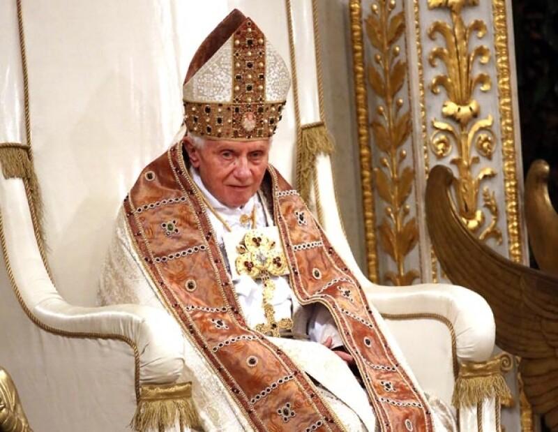 Hoy por la mañana, el líder de la iglesia católica dijo que dejará su cargo a finales de febrero.