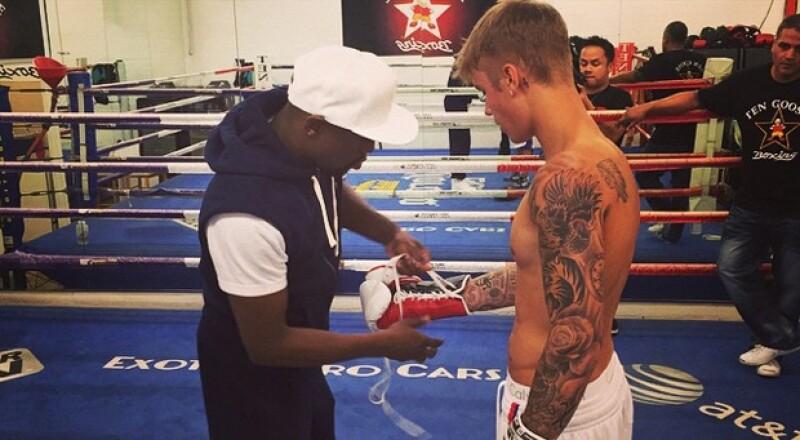 El canadiense publicó en Instgram fotos de su primer entrenamiento con el boxeador profesional que, desde hace un tiempo, se ha vuelto muy amigo suyo.