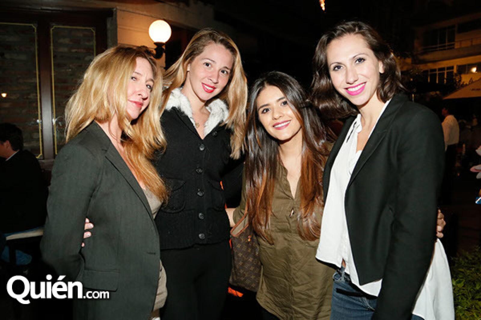 Loys Sáez, Chantal Dorego, Martha González y Cristina Alsina