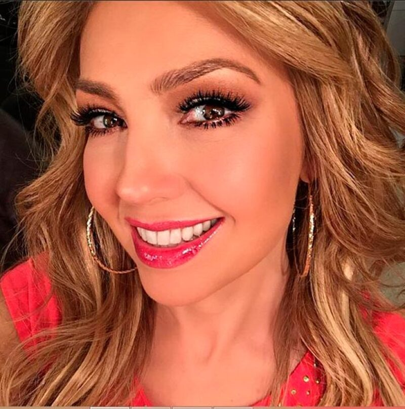 """Sin pudor, la cantante explicó a Montserrat Oliver y Yolanda Andrade que le gustan los besos de """"mordidita""""."""