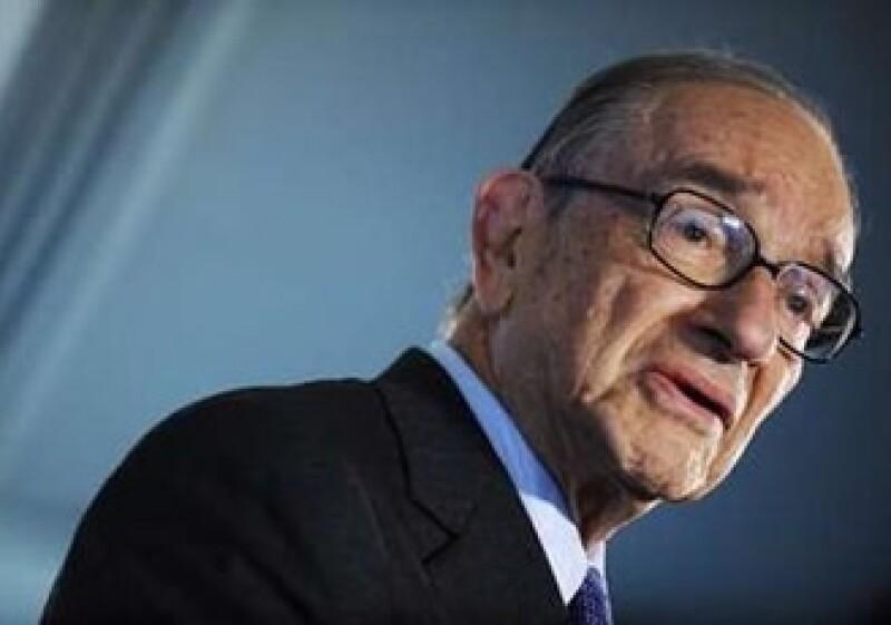 Alan Greenspan expresó que si las instituciones son demasiado grandes para colpasar son demasiado grandes. (Foto: Reuters)