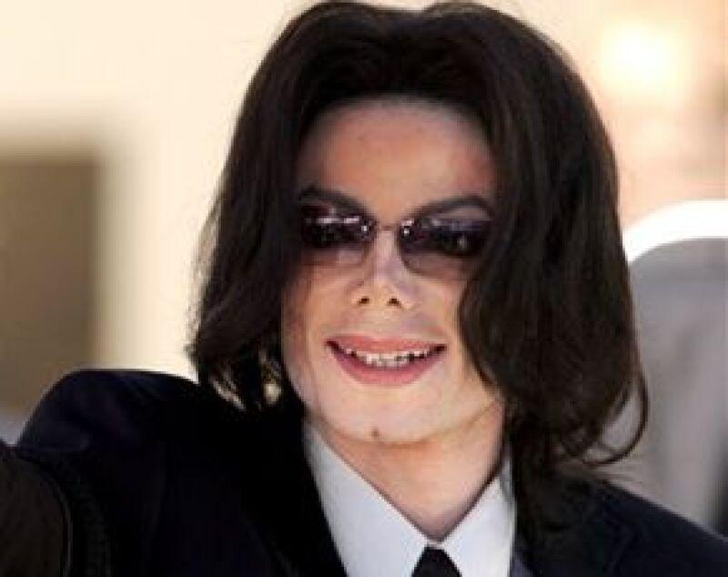 """""""El Rey del Pop"""", quien a últimas fechas ha sido noticia por su estado de salud, ofrecería una treintena de conciertos a partir del mes de julio."""