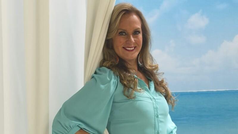 Helo Pinheiro posa en entrevista