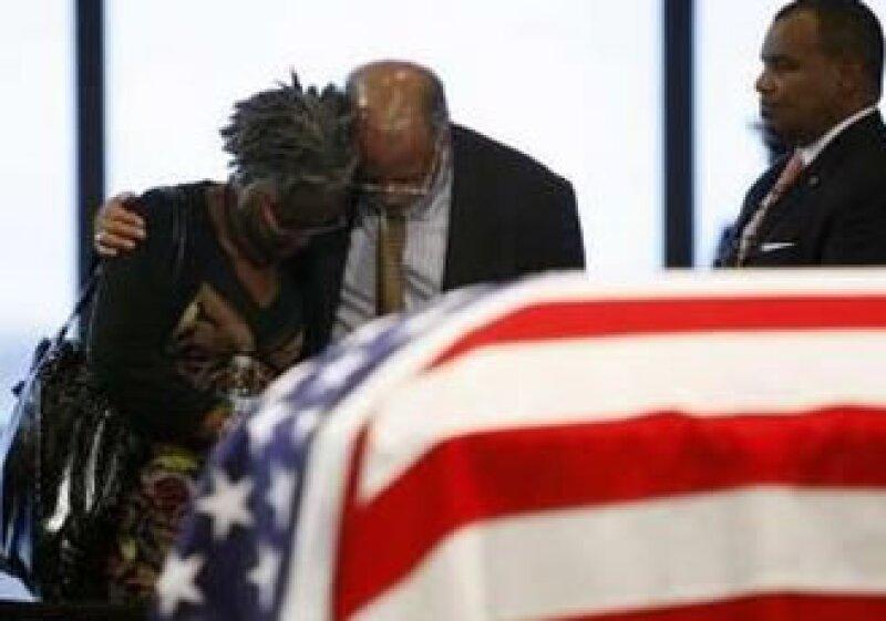 Cientos de personas acudieron a darle el último adiós al senador demócrata Edward Kennedy. (Foto: Reuters)