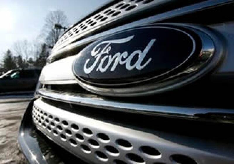Ford redujo su deuda en sus operaciones automotrices en alrededor de 14,500 millones de dólares en el 2010. (Foto: AP)