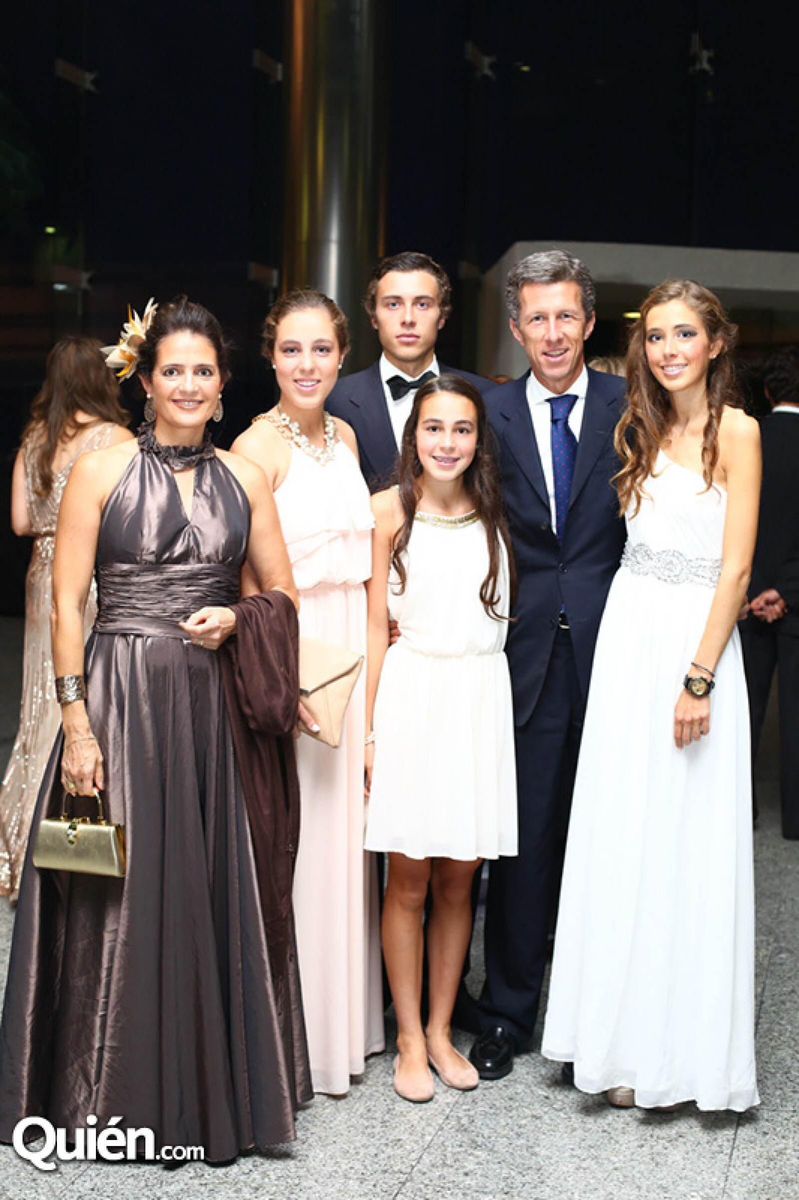 Charito Alverde, Mirén, José, Lorea, José e Irantzu Agüinaga