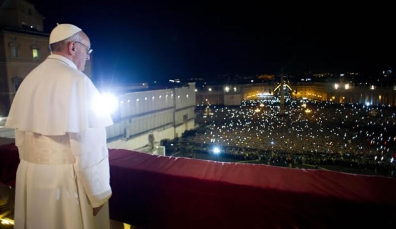 El sacerdote jesuita Federico Lombardi dijo que por ser el primero no va acompañado del número romano.