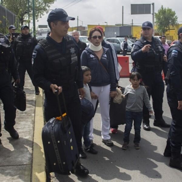 bloqueo aeropuerto CNTE 12