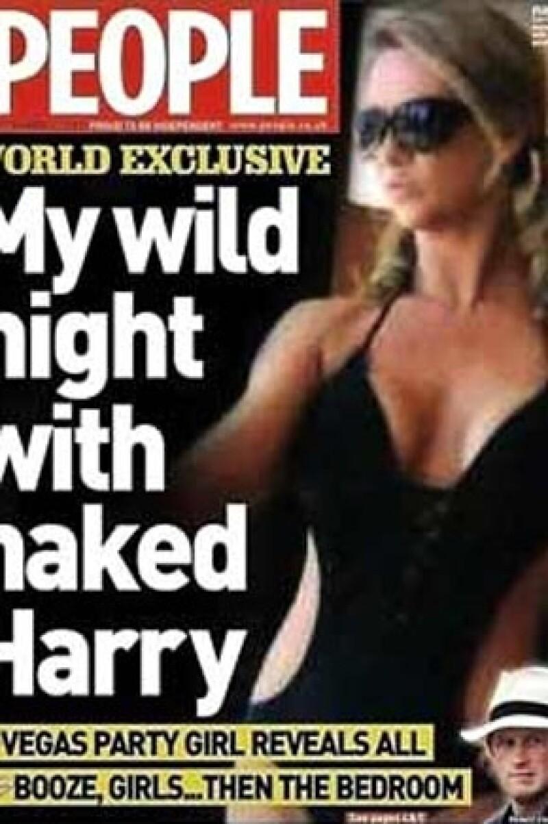 La ex modelo Carrie Reichert, famosa por haber aparecido en las fotos donde sale el monarca desnudo en Las Vegas, terminó en la prisión debido a que supuestamente firmó unos cheques sin fondos.