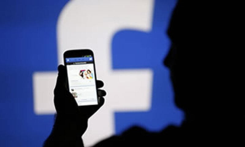 Facebook anunció que solo una cantidad limitada de anunciantes tendrán acceso a la plataforma publicitaria. (Foto: Reuters)