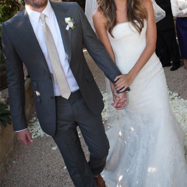 Lily Aldrigde: La modelo se casó con un vestido y velo de encaje de la diseñadora.