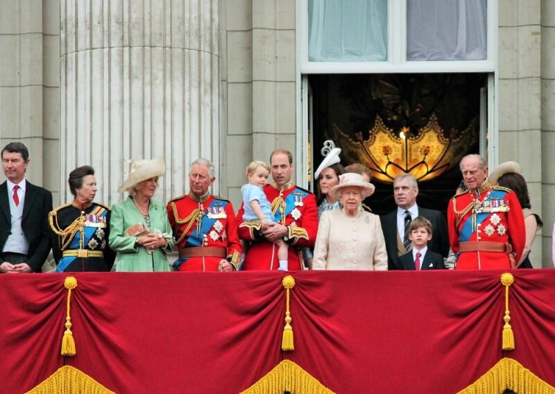 El príncipe Andrew es de los pocos que han decidido compartir sus vidas en línea. (Foto: Shutterstock)