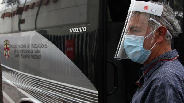 El Sindicato de Trabajadores de la Salud brinda transporte gratuito a enfermeras y enfermeros.