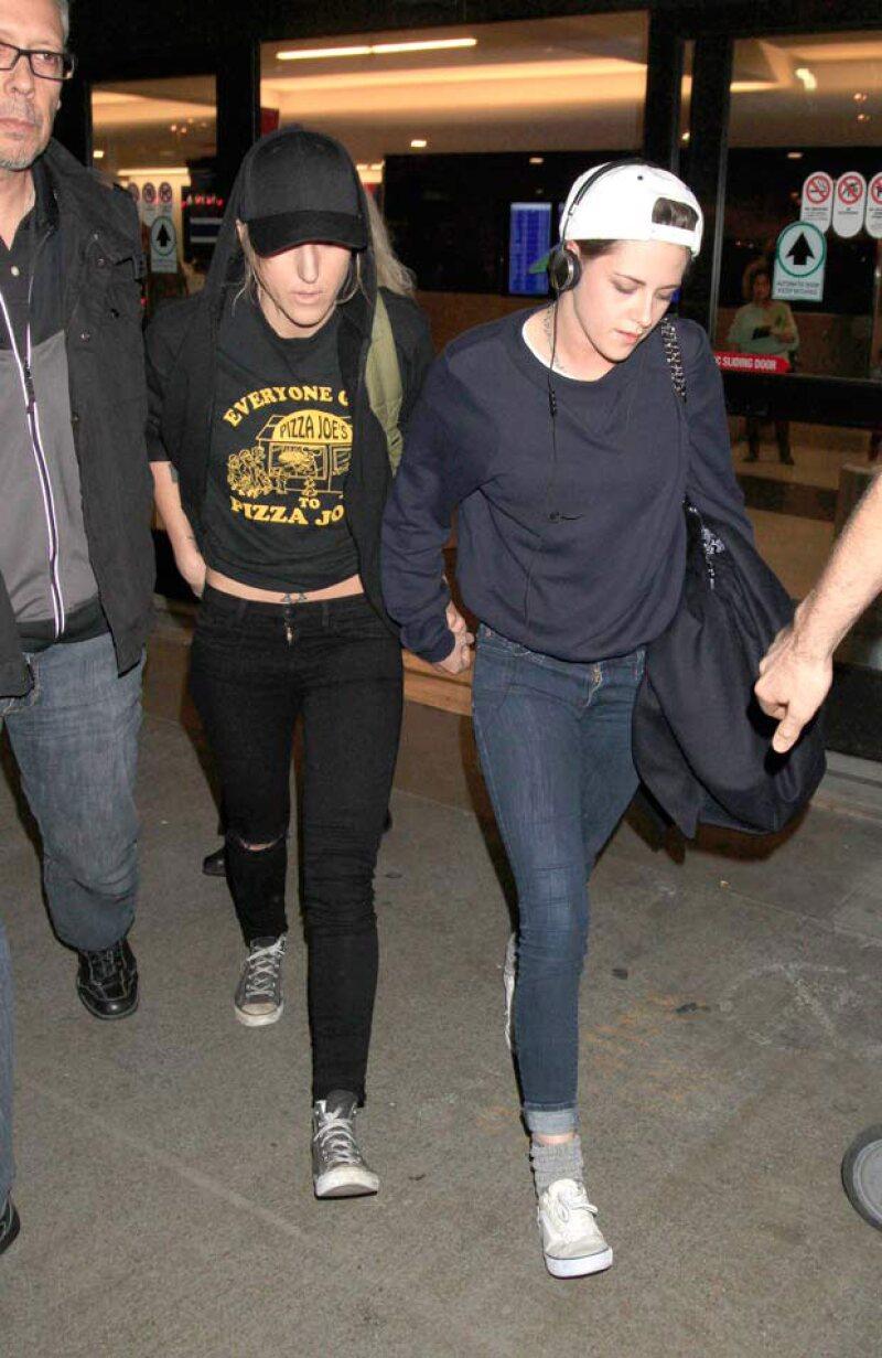 A Kristen le resulta extraño que la gente se interese por saber con quién anda y aseguró que dentro de algunos años esto ya no importará.
