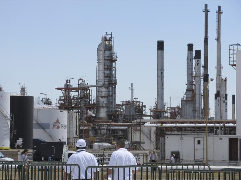 Importación crudo ligero Pemex refinerías