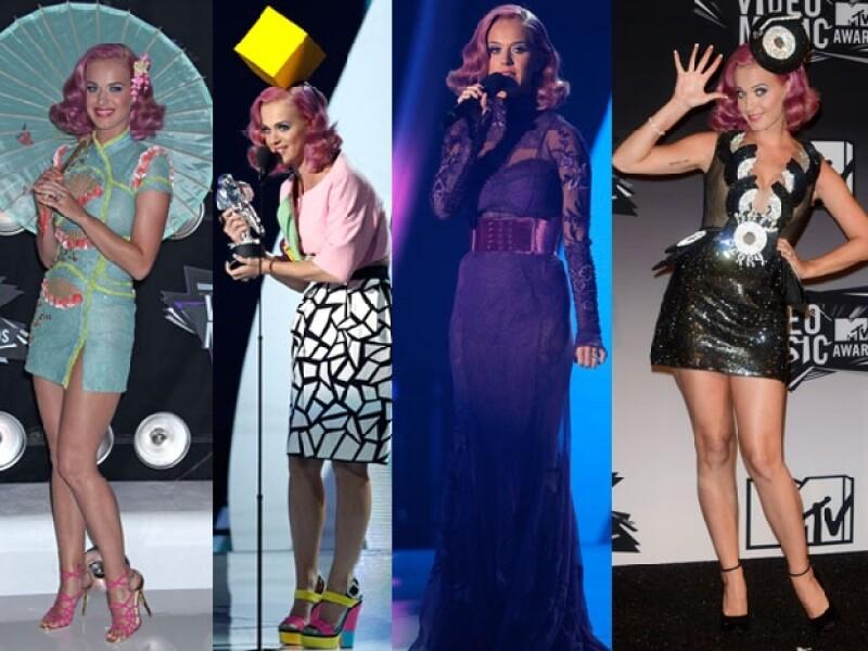 Katy Perry utilizó cuatro looks diferentes para la ocasión y con ninguno acertó.