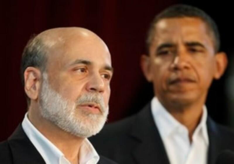 Ben Bernanke (izq) debe ser confirmado para un nuevo periodo en la Fed a más tardar este mes. (Archivo)