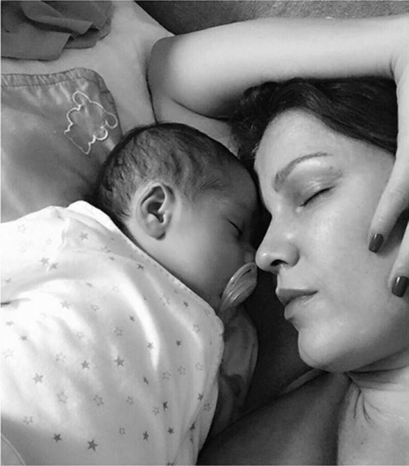 La esposa de Rafa Márquez compartió, por primera vez, una foto completa de su hijo Leonardo, siendo este uno de los momentos más emotivos desde que nuevamente se convirtió en madre.
