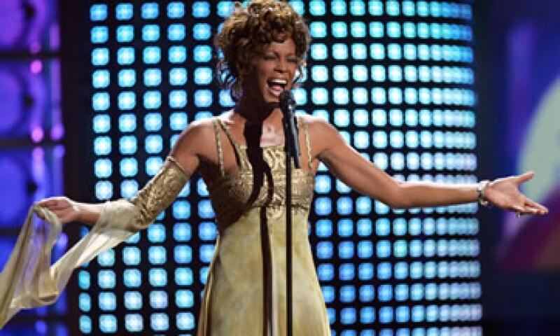 Los admiradores de Whitney Houston sin invitación al funeral no podrán acercarse. (Foto: AP)