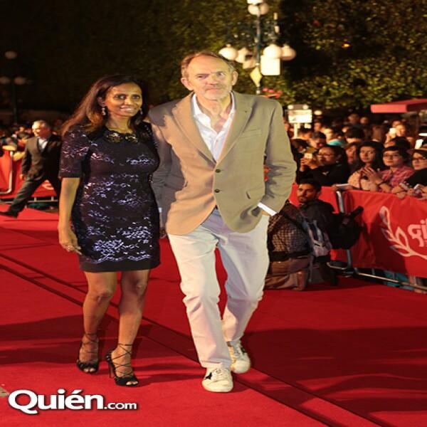 El director Anton Corbijn y su novia Nimi