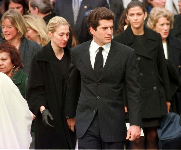 John F. Kennedy Jr. y Carolyn Bessette 4.jpg