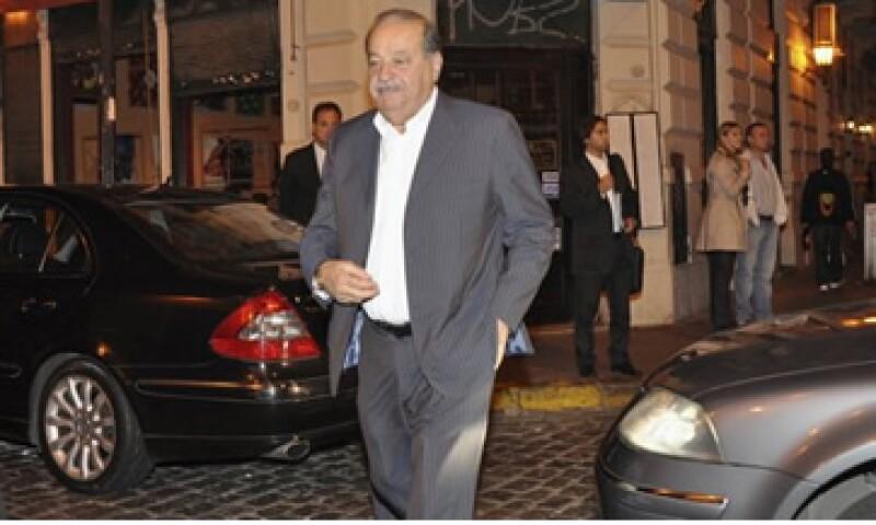 La empresa de Carlos Slim lleva varios años intentando incursionar con éxito en el mercado europeo, donde enfrentaría gran competencia.. (Foto: Reuters)