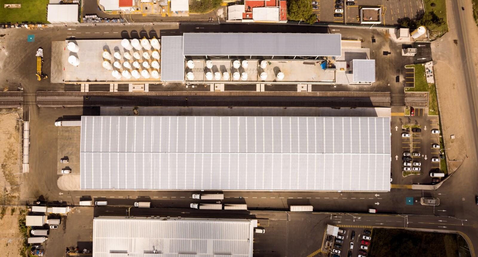El almacén tiene 10,000 m2