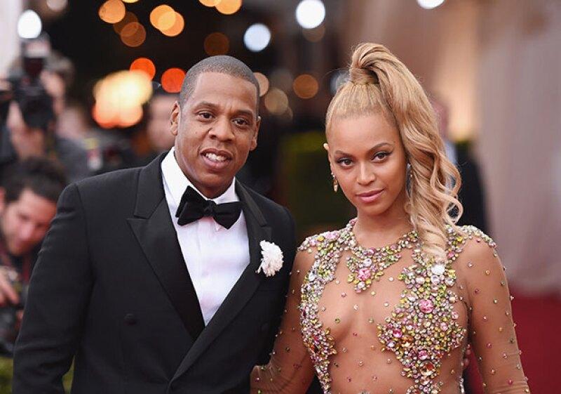 Después de darse a conocer las supuestas infidelidades del rapero con la cantante gracias al álbum Lemonade, la pareja en lugar de separarse ha decidido renovar sus votos matrimoniales.