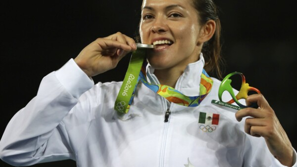 La taekwondoín cerró con bronce de oro los Juegos Olímpicos al ganar una presea de plata.