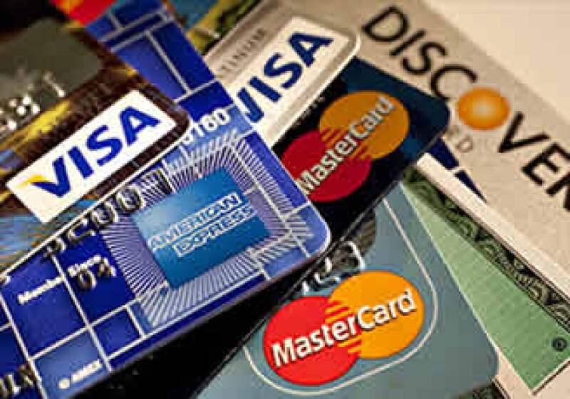 El 80% de los usuarios de tarjetas de crédito de pequeños negocios pagan sus tarjetas cada mes, según la Fed. (Foto: Cortesía Fortune)