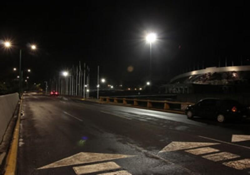 La iluminación de los circuitos viales de Ciudad Universitaria ha permitido un ahorro de 40% en energía. (Foto: Cortesía Philips México)