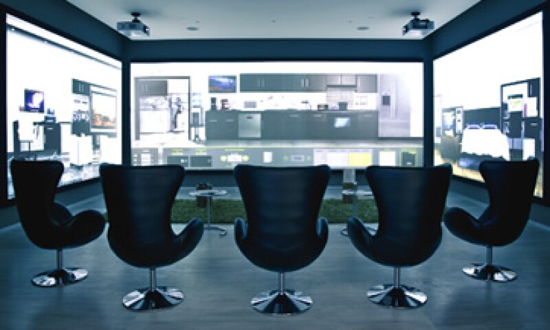 La empresa Powergreen Technologies busca cerrar las ventas con una demostración en un simulador dentro de su sede. (Foto: Agustín Garza)