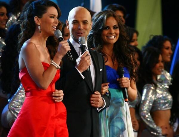 Jacky Bracamontes, Jorge Poza y Ximena Navarrete amenizaron la noche.