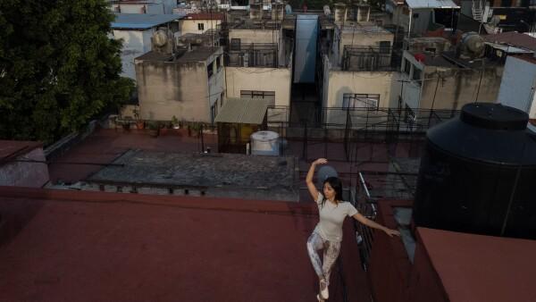 En la Ciudad de México las personas usan sus azoteas durante la pandemia.
