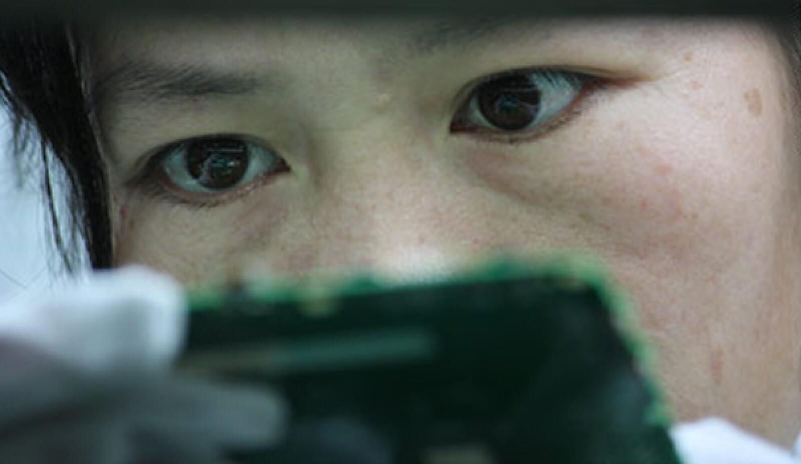 Acercamiento al rostro de una mujer china