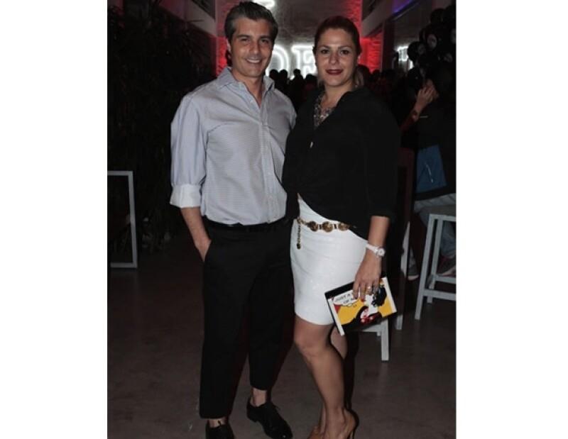 La empresa tequilera fundada por la pareja cumplió tres años y como parte de los festejos lanzaron la edición especial Bing Bang.
