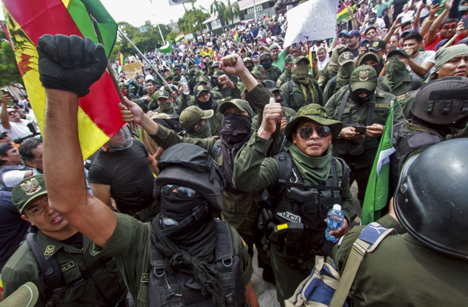 BOLIVIA-CRISIS-PROTEST-ELECTION-RESULT-POLICE