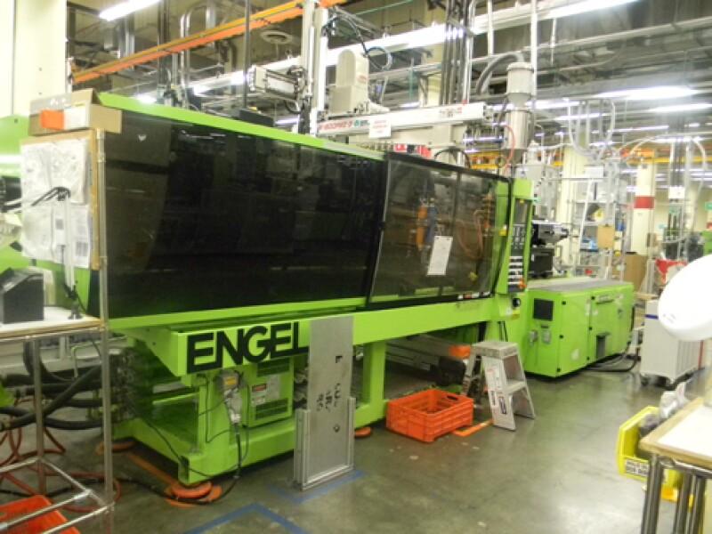Esta es una m�quina de inyecci�n de pl�stico marca Engel de 36 x 36 pulgadas. Su precio se dar� a conocer en la subasta de diciembre.