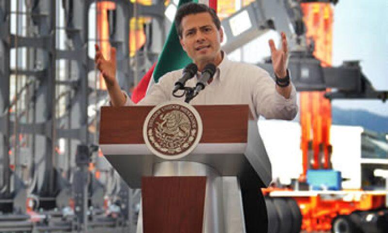 Peña Nieto encabezó la inauguración de las obras de modernización del puerto de Manzanillo. (Foto: Notimex)