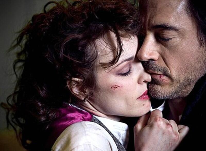 Como toda una femme fatale, Rachel interpreta a una ladrona al lado de Robert Downey Jr. en la película Sherlock Holmes.