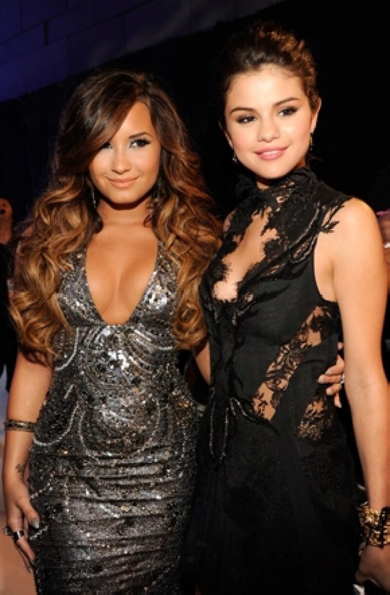 En el pasado las cantantes solían llevarse muy bien, ahora lo dudamos, y es que Demi dejó de seguir a Selena en Twitter.