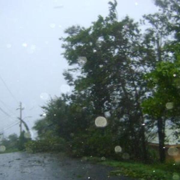 huracan-earl1